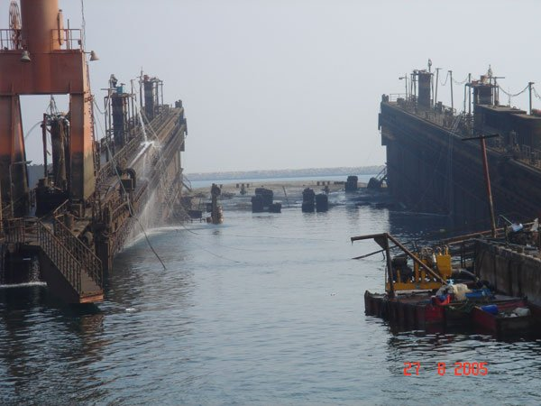 Salvage & refloating of floating dock Dammam